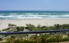 Marbella - Deux pièces pour 4 personnes avec loggia, face mer.
