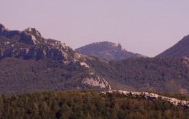 Château de QUERIBUS, liaison sentier entre les 2 châteaux Peyrepertuse/Quéribusi