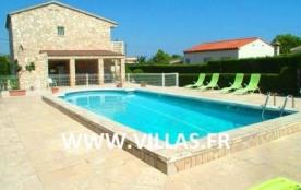 Agréable villa pour 12 personnes située dans la résidence Las Tres Calas d'Ametlla de Mar.