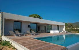 squarebreak, Villa contemporaine, vue mer exceptionnelle, plage