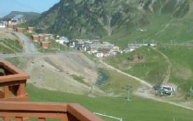 vue du balcon en été sur village