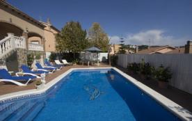 Villa moderne et élégante pour 10 personnes à Roda de Berà, à seulement 4 km de la plage!