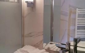 Linge de toilette et échantillons du nécessaire de toilette fournis