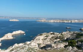 îles Frioul vue sur château If, Notre Dame de la Garde  et Marseille
