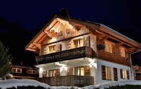 Magnifique chalet, centre ville de Chamonix, balcon, jardin privé