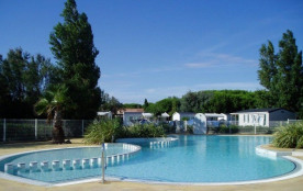 Camping Rives des Corbières - Mobil Home Riviera 32m2 (3 chambres) + terrasse couverte + TV + Cli...