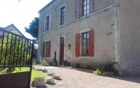 Gite de L' ARNAISON proche de Vichy pour 15 personnes - Seuillet