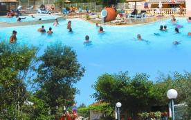 camping  3* 110 emplacements  dont location mobile home et chalets climatisés, avec jolie piscine, à 3 km de la rivière