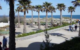 2 pièces 5 couchages au premier étage, en accès direct plage situé en zone piétonne entièrement r...