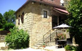 Charme et authenticité pour cette maison en pierre à Turenne à proximité de nombreux sites touristiques - Turenne