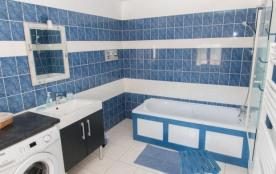 salle de bain rez de ch avec baignoire
