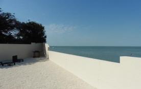 MAISON FACE MER avec accès direct plage