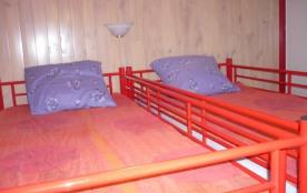lit séparés en hauteur pour les enfants