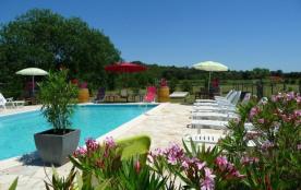 Gîte MERLOT 2 personnes avec piscine, jardinet terrasse privatifs - Sommières