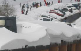 Location au pied des pistes de ski de  SUPER BESSE centre station 06.31.26.56.60