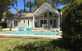 """Villa """"Alabama"""" avec piscine chauffée , au golf, proche lac et océan 2ch (6pers)"""