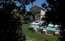 Gîtes de France - Maison indépendante avec piscine privée.