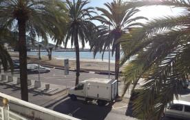 Av. Rhode 1 - Appartement à Rosas en face de la mer qui possède 2 chambres et capacité pour 6 per...