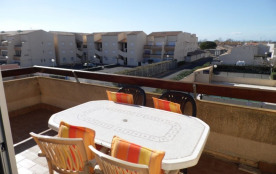 2 pièces mezzanine 4 à 6 couchages au deuxième et dernier étage, dans résidence avec piscine.