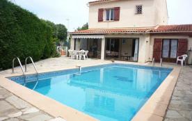 Villa avec piscine privée, sans vis à vis , au pied d'une colline