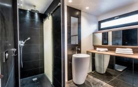 La salle de douche - Shower Room - Le 1818