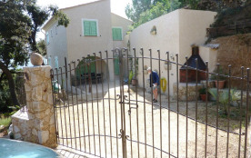 Villa neuve terminée en 2014 'i lecci' nichée dans les chênes et le maquis