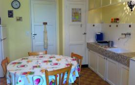 Bormes Les Mimosas (83) - Quartier de la Ravelle - Villa Les Murènes. Premier et dernier étage da...
