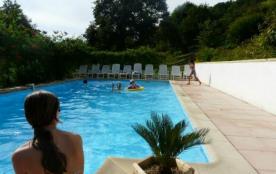 a 30 mn de  biarritz  chalets  vacances avec piscine