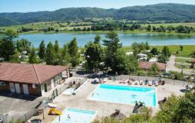Camping des Gorges de l'Oignin, 118 emplacements, 12 locatifs