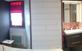 2ème chambre avec salle d'eau