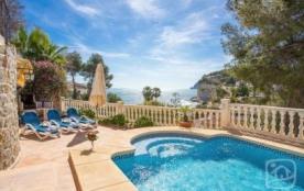 Villa AB Mars - Belle villa surplombant la fameuse crique « Advocat », avec des vues magnifiques ...