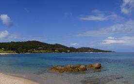 A 300m de la plage de PORTIGLIOLO - Studio indépendant avec terrasse privative et jardin particulier