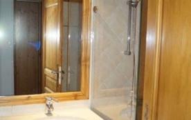 Appartement spacieux de 57 m² pour 6 personnes composé de 1 chambre avec 2 lits simples et une ca...