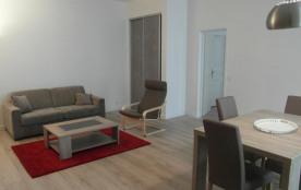 La Rochelle (17) - centre-ville - 24 Quai Duperre. Appartement 2 pièces - 60 m² environ - jusqu'à...