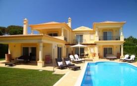Villa ALG-235.