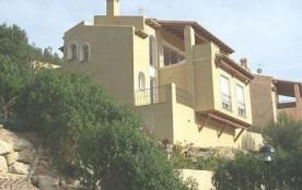 La maison de vacances Buganvilla 19 est située dans un beau quartier résidentiel avec diverses ma...