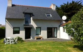 Belle maison contemporaine, 800m centre et plages, rue des Grives à Trégastel.