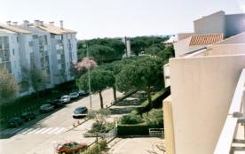 Appartement spacieux avec solarium à 250m de la plage.