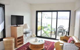 N° 866 - Beau studio avec grande terrasse très b