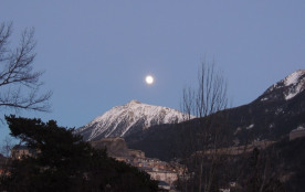 Mont Janus en pleine lune