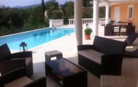 Belle Villa climatisée avec piscine privée Proximité centre-ville et plages 11 personnes F345