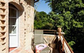 Au cœur d'un domaine viticole AOC Côtes de Provence de 27 ha, dans un cadre calme et verdoyant, L...