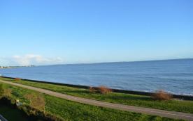 Location également HORS SAISON - Pour 4 personnes accès direct plage, face mer à env. 1,3 km des ...