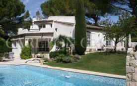 Villa à MOUGINS