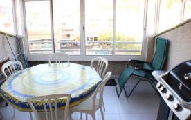 Europark - Penthouse duplex à Rosas / Roses qui possède 2 chambres et capacité pour 6 personnes.