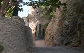 Maisonnette-studio dans village médiéval