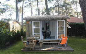 Cabane en bois, 2 chambres, 4/5 personnes + 1 voiture, 22m² environ