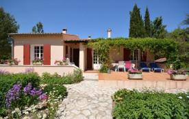 Gîtes de France Les peupliers. Villa indépendante sur terrain clos de 2500 m² avec piscine privée...