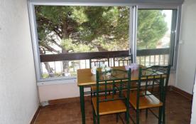 Studio avec coin mezzanine 2 à 4 couchages au deuxième étage, dans résidence à proximité des comm...
