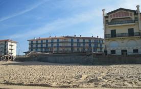 Appartement situé au deuxième étage sans ascenseur, vue océan, proche de la plage.